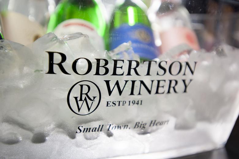 u_1410625264_robertson-winery8